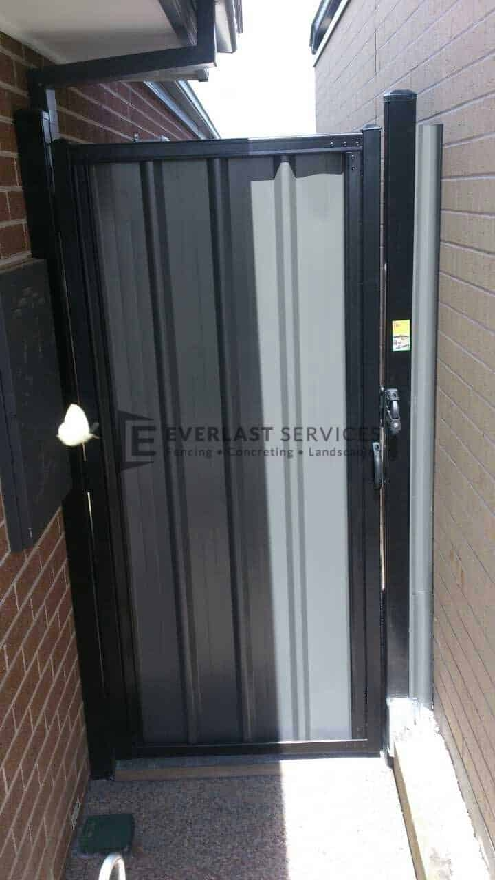 Ss2 Black Frame With Grey Colourbond Single Gate