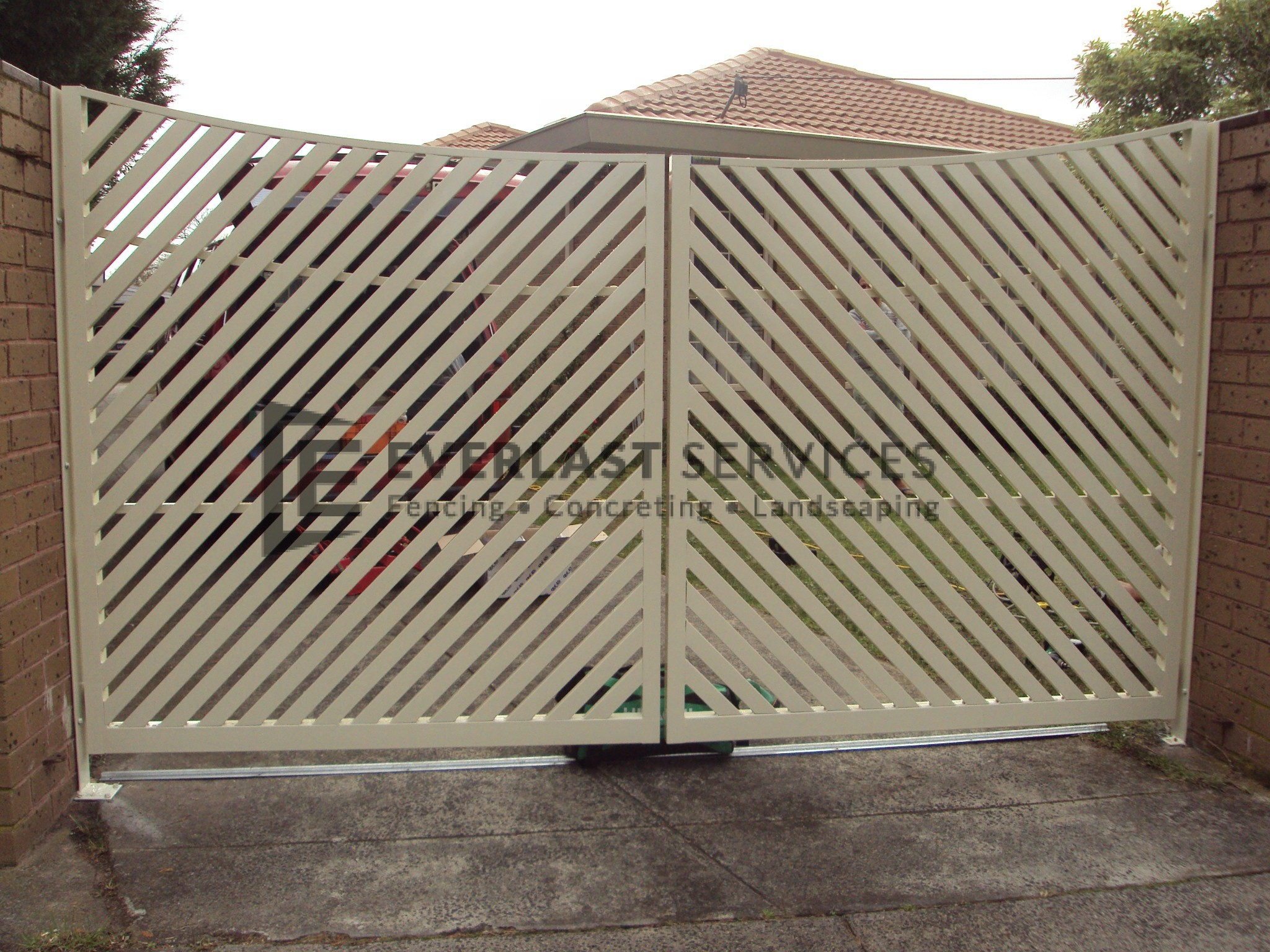 DG27 - Diagonal Steel Slats Double Gate - Werribee