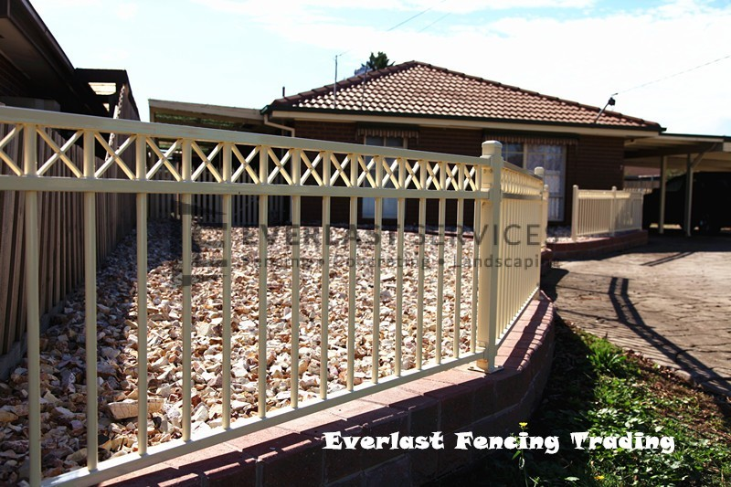 SF38 - Primrose Oxley Cross Steel Fencing Panel