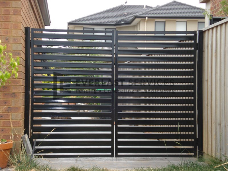 DG30 - Black Horizontal Slats Double Gate - Maidstone