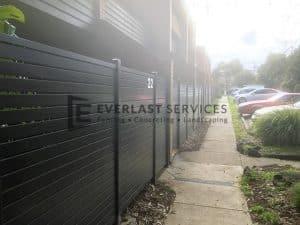 A185 - 516 Moreland Road Horizontal Aluminium Slats Fence