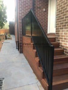 A157 - 566 Moreland Road Vertical Slats Handrails