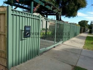 SF3 - Green Oxley Ring Steel Fencing With Mailbox Side View