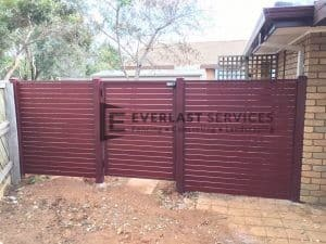 SS72 - Aluminium Slats Single Gate with 2 x Fence Panels Pool Safe (Indian Red Post and Frame with Jarrah Slats
