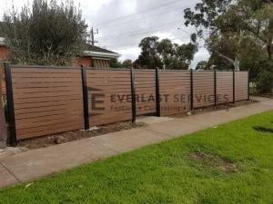A183 - Aluminium Kawila Slats Fencing with Single Gate