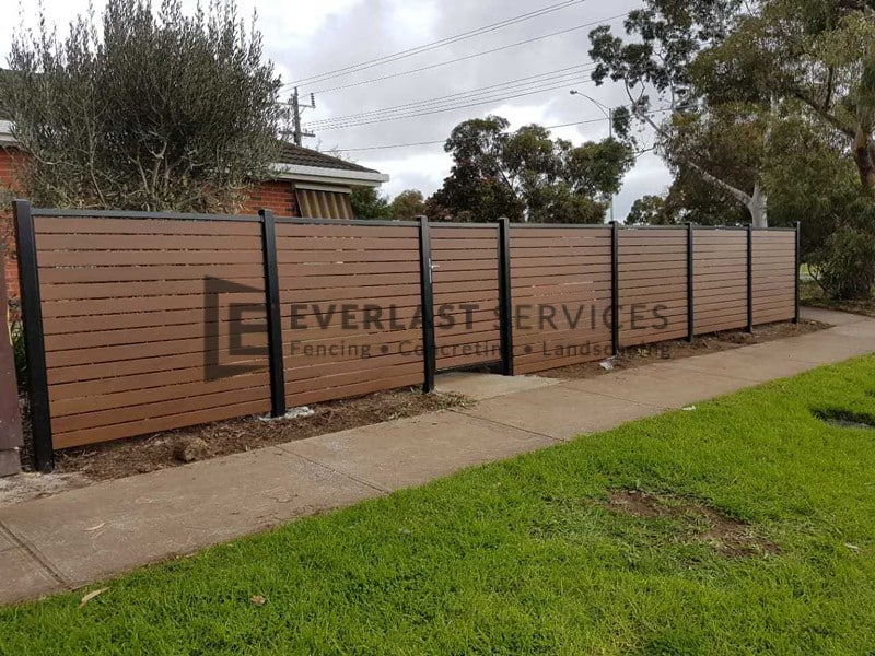 A183 - Aluminium Kawila Slats Fencing with Single Gate