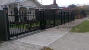 SG27 - Heritage Spear Sliding Gate - Strathmore