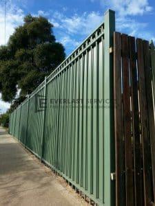 83 - Green Steel Fencing