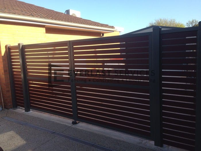DG29 - Motorised Slats Double Gate