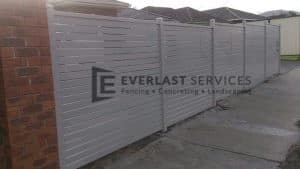 A60 - Off White Slats Fencing