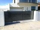 SG42 – Monument 90mm Slats Sliding Gate