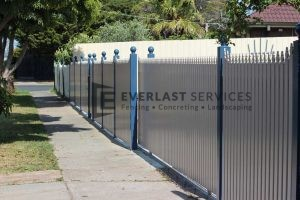 SF101 - Bluestone Post with Pearl White Sloped Pickets View 4