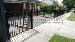 SF103 - Oxley Bar Fencing Far View