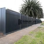 A175 - Vertical Blade Fencing Black