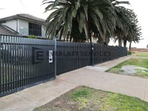 SG65 - Vertical Blade Fencing Sliding Gate
