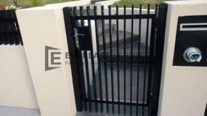 SS81 - Aluminium Vertical Blade Single Gate