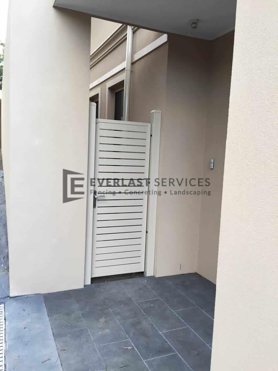 SS125 - White Slats Small Side Gate