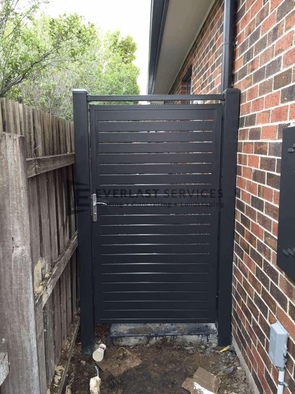 SS53 - Charcoal Slats Side Gate