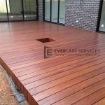 T13 - Frameless Timber Decking wtih Plant Hole