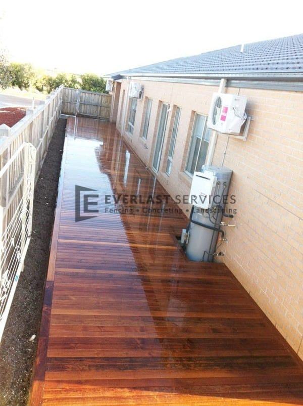 T16 - Large Timber Decking on Side of House