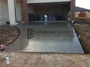 CC3 - Concrete Driveway Garage