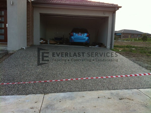 EA4 - Exposed Aggregate Concrete Driveway