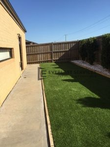 L19 - Plain Concrete Footpath with Synthetic Grass