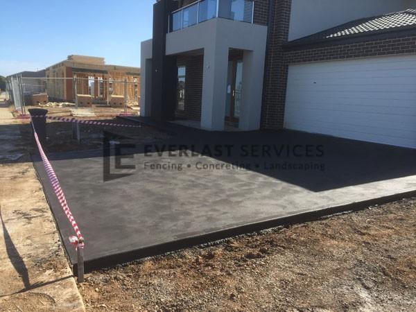 CC2 - Charcoal Coloured Concrete Driveway