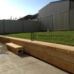 L25 - Versa Wall Retaining Wall with Buffalo Turf