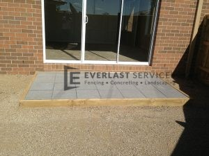 42 - Raised paving and gravel