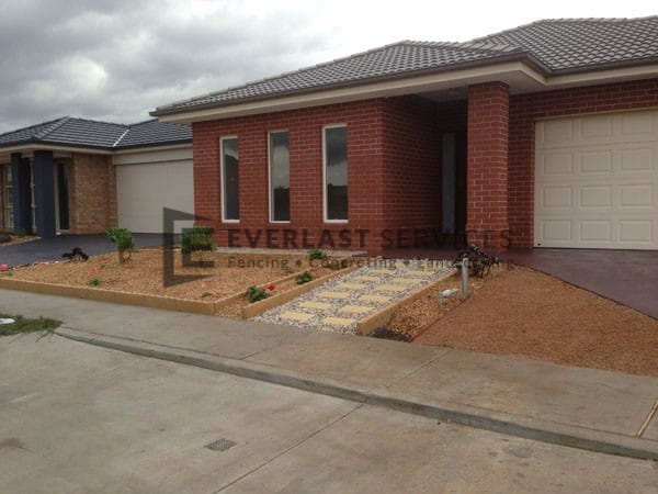 L37 - Easy Care Landscaping
