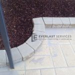 L52 - Mini Wall Edging With Concrete Paving