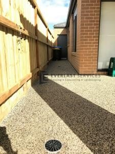 EA42 - Backyard Exposed Aggregate Footpath
