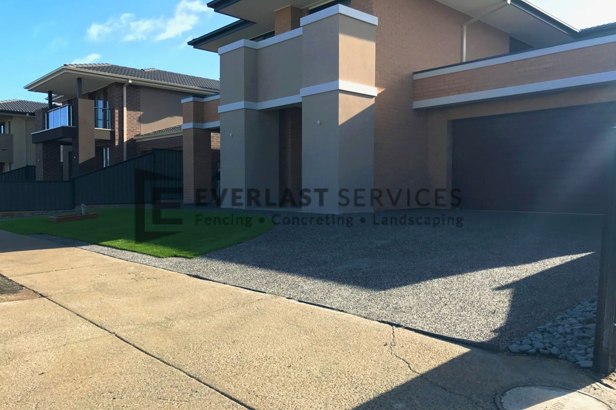 EA32 - Driveway Exposed Aggregate