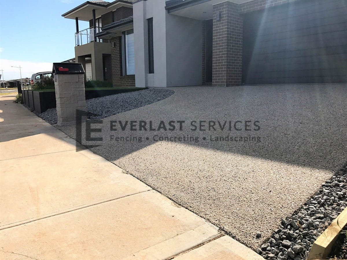EA47 - Exposed Aggregate Driveway