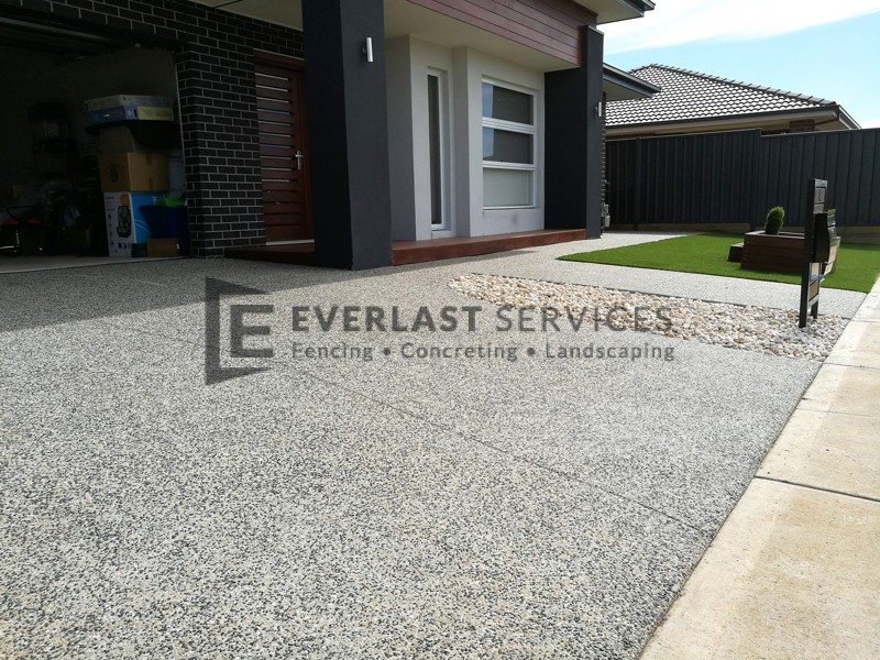 EA62 - Exposed Aggregate Driveway