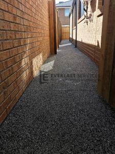 EA45 - Exposed Aggregate Footpath