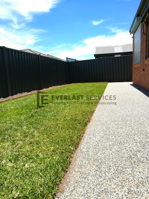 L131 - Palmetto Grass with Exposed Aggregate