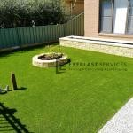 L117 - Synthetic Grass with Versa Wall Garden Box & Miniwall Garden Wall Angle 2