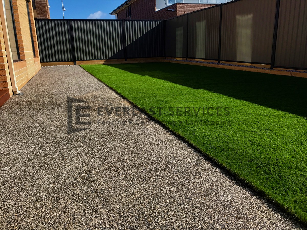 L106 - Synthetic Turf Landscaping