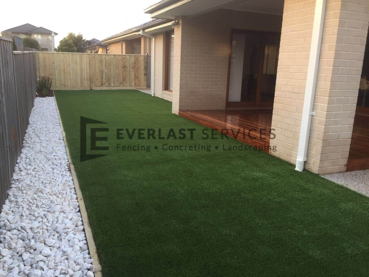 L47 - Backyard Synthetic Grass