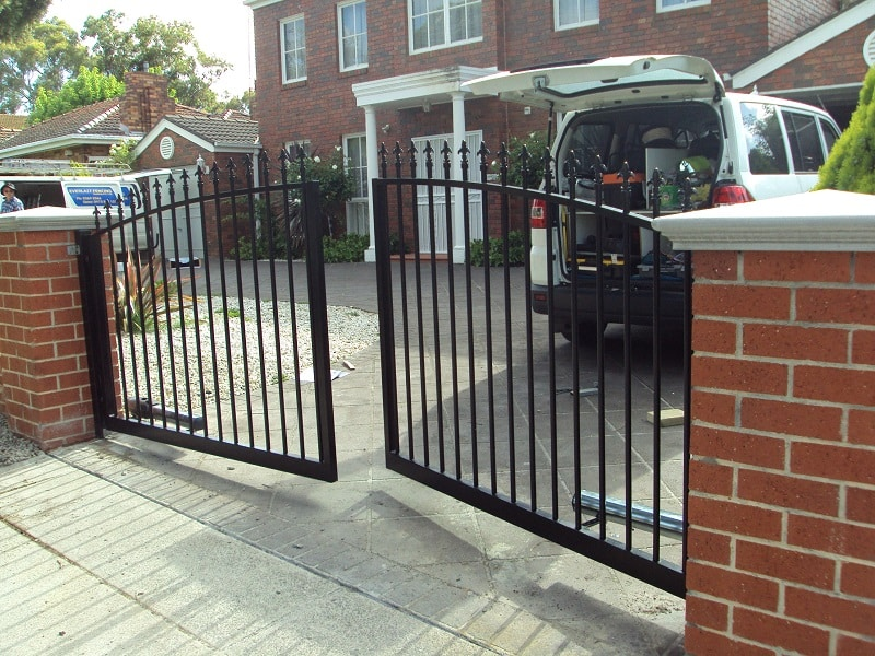 Automatic gates melbourne sliding gates doors price quotes for Building a sliding gate for a driveway