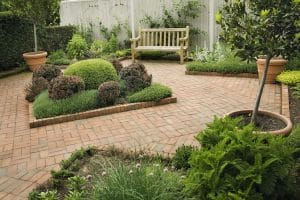 lansdscaping ideas for small spaces