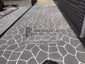 STE11 - Bush Rock Stencil Concrete