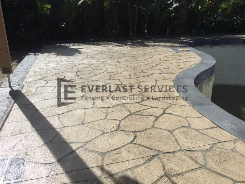 STE5 - Bushrock Stencil Concrete around Pool
