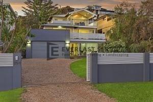 MW 44 - Grey Modular Fence Slats Driveway