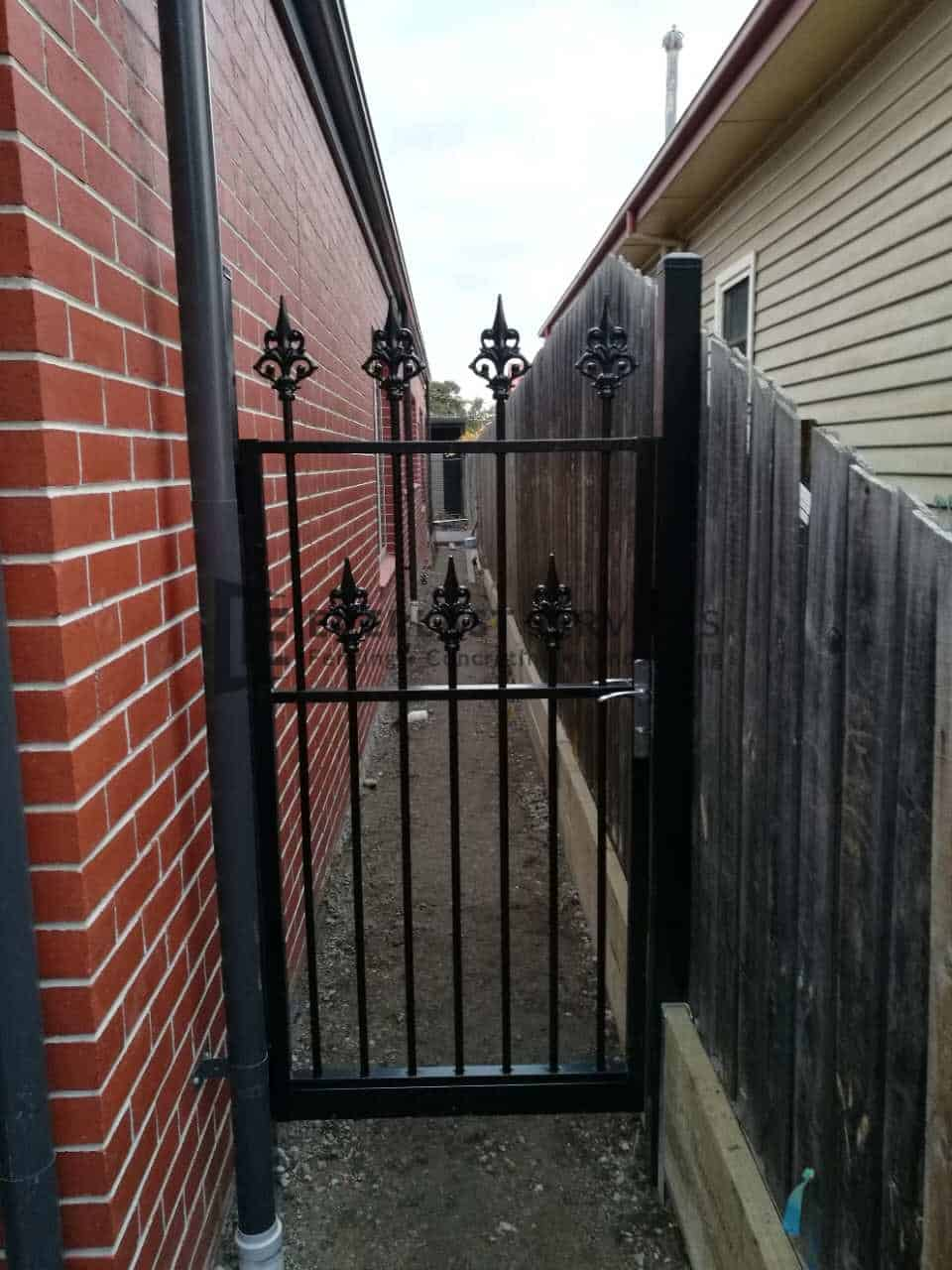 SS108 - Double Heritage Spear Single Gate