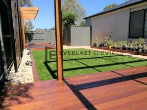 L137 - View One Decking + Pergola + Synthetic Grass
