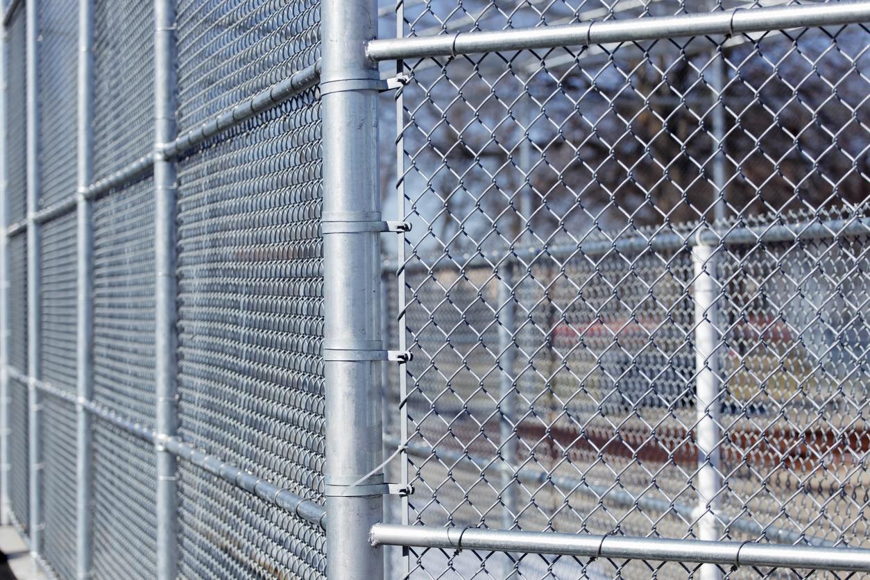 galvanised mesh fencing