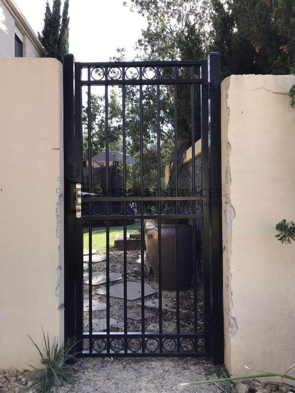 SS128 - Black Triple Oxley Ring Single Gate